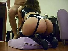 Amateur curvy wife fucked on real homemad