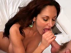 Ava Adams is a feisty brunette MILF with a killer body and a skilled mouth. Just watch this cougar seduce, then suck off, a willing young stud. Its a bit of a dying art.