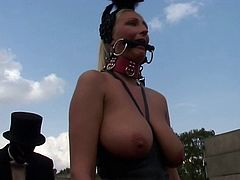 Blonde Fetish-Slut Kathleen in bizzare Outdoors-Scene