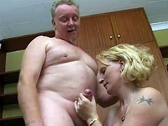 Chick Suck And Fuck Two Guys Like A Professional Slut
