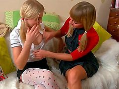 When it comes to scissor sister games, Blake and Marina are the best, there is no doubt about it. They are blonde and always in the mood to make each other cum.