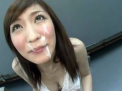 Hot MILF Goes Outdoors To Give A Blowjob To Her Man That Loves Getting Busy In Public And He Cums n Her Face.
