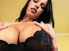 Laura Lion is a lascivious hottie with yummy tits and hot body! This gorgeous brunette loves toying her pussy with dildo. Dude, that muff is so fucking juicy!