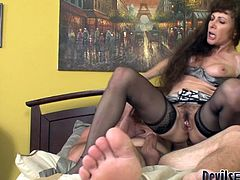 Fame Digital sex clip presents a really voracious not pretty brunette with uncombed hair. This bitch needs nothing more than to fill her mouth full with cum. Horn-mad nympho is also a terrific dick rider, who's worth checking out in Fame Digital sex clip.