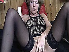 Extreme amateur slut fucks her huge vagina with a toilet brush and toothpaste for lubricant