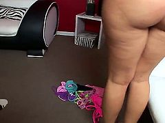 Brianna Love wants to take her pants off and show big round ass on camera. Oh wow, she is really hot and sexy! Moreover, Brianna wants to warm up her boyfriend and his wiener
