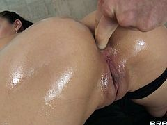 It's hard to hold yourself not to finger Vicki's gorgeous big wet butt. Watch this brunette lady acting like a cheap whore and getting her ass filled before stuffing her mouth with his big thick cock. Yeah Vicki likes it in the ass and mouth, does she enjoys semen just as much?