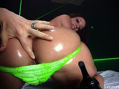 Big booty babe Jada got her ass all oiled up and ready to get fucked. She's fucking hot and her butt deserves a serious pounding. Watch her bent over and how she taunts us with her ass before this guy comes from behind and drills it. She likes it deep and goes on top for a better penetration. Enjoy!