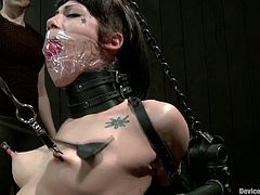 This crazy girl loves some extreme things in sex. She gets her tits clothespined. Then her pussy gets drilled with fucking machine.
