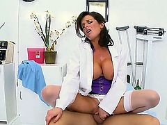 Ramon meets one of the hottest doctors in the world! She is experienced professional and her named is Veronica Avluv! Enjoy Veronicas modern ways of treatment!