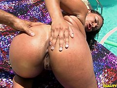 Curvy Latin hussy gets her worn out pussy drilled in doggy