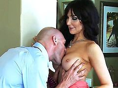 Wonderful porn video with experienced Diana Prince and famous pornstar Johnny Sins. He has the gigantic dick, strong body, awesome muscles. He fucks her vagina, asshole, mouth, she screams