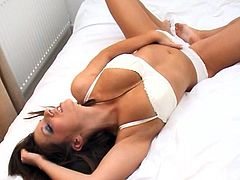 Superb hottie likes posing while gently stroking her fine pussy in amazing solo