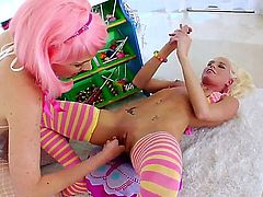 Katie Angel spends time doing it with Jayda Diamonde
