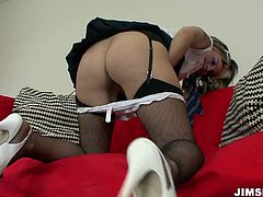 He nice ass is everything your heart desires. She lifts her skirt up and masturbates her juicy slit. After Jim Slip also plays with her slit. Go for the hottest sex tube video for free.
