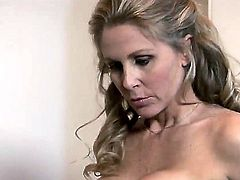Zoe Britton satisfies her sexual needs with Julia Ann in lesbian action