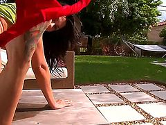 Rachel Starr finds man handsome and takes his love torpedo in her hands eagerly