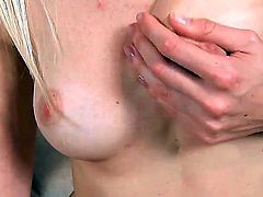 Inexperienced goddess Samantha Heat opens her legs to fuck herself, take vibrator in her dripping wet love tunnel