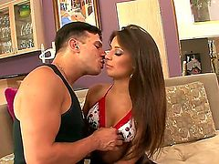 Beautiful young babe with big boobs Jynx Maze is doing a blowjob to her wonderful boyfriend on camera. Enjoy the sweet blowjob video of this hot couple.