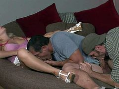 Bisexual lover enjoys in taking on Sammie Spades shaved taco and on her hubbys hard rod at the same time in their arousing threesome on the couch in living room