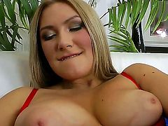 Blonde cocoa Maja polishes lucky dudes rock solid man meat with her lips