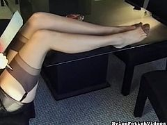 Admiring her sexy legs and undulating like a slut makes hot babe to get horny
