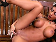 Kyra Black with massive knockers parts her legs on cam with no shame