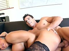 One of the hottest milf in the universe - Lisa Ann demonstrates fantastic sex with Ramon Nomar