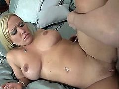 Chris Johnson came to treat this big asses and bit titted blonde sweetie named Austin Taylor with his powerful dick. Blonde hottie willingly takes in her holes!