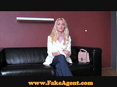 This cute blonde has no idea that this horny man is really a fake agent and he gets his jollies talking unsuspecting babes that want to be porn stars into sexual encounters.