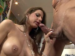 Impressive Rachel Roxxx loves it rough