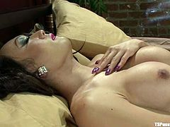 Venus Lux the hot Asian tranny licks Bella's pussy and then fucks her hard. Belly really enjoys wild sex with hot shemale.