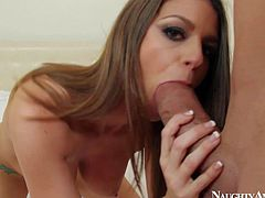 Dark haired and stunning Brooklyn Chase enjoys in showing her sexy shaped body with big boobs and shaved taco in front of the cam and gives Billy Glide a hot ride