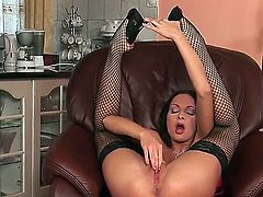 Lauryn May with tiny tities and bald beaver bares it all as she plays with her muff pie