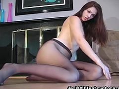 Sweet babe in sexy pantyhose enjoys true solo masturbation that pleases her desires
