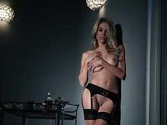 Gorgeous blonde girl Dani Mathers is having a photo shoot for Playboy. Watch this stunning backstage clip and see this babe's terrific body.