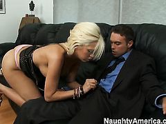Rocco Reed wants to bang amazingly sexy Jenny Hendrixs nice muff forever