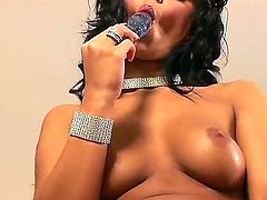 Black Angelica reaches satisfaction using nothing but her fingers