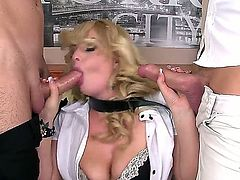Bonnie Rose - the hottest bitch in the porn industry deals with two hard cocks