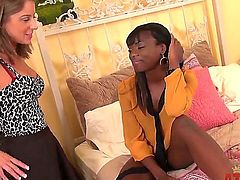 Ebony meets blonde as they kiss each others boobs and finger fuck in a hot  lesbian action