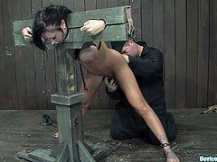 Get a load of this hot bondage video where the horny Mason Moore is tortured as you take a look at her sexy body.