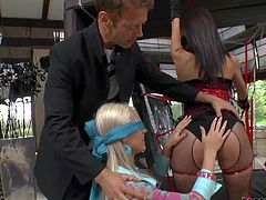 Rocco Siffredi and his lovely babe Samia Duarte enjoy in their passionate sex session and have lots of fun with a blindfolded blonde in the bedroom in threesome