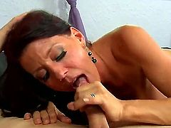 Mature gives giving oral pleasure to her horny bang buddy