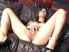 Melanie Rios with hairless muff has some time to masturbate on camera