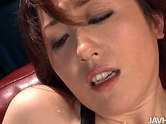 Spoiled Japanese hoe gets her hairy snatch pounded with vibrator