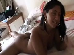Busty Indian chick  is posing for homemade sex video