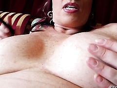 Kylie Ireland gets the hole between her legs licked out by her lesbian girlfriend Nicki Hunter