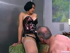 Asian slut Mika Tan fucks Billy Budd with a huge strapon