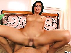 Ruby Knox gives unthinkable sexual pleasure to hot bang buddy