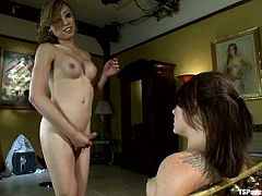 See how the ladyboy Venus Lux penetrates Casey Cumz's pussy on the bed and wonder how a shemale can get more pussy than you.